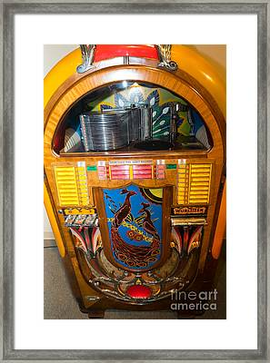 Old Vintage Wurlitzer Jukebox Dsc2782 Framed Print by Wingsdomain Art and Photography