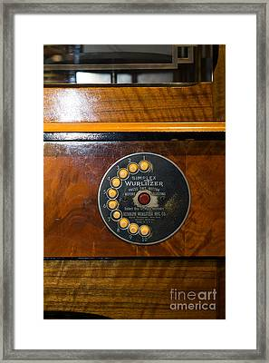 Old Vintage Wurlitzer Jukebox Dsc2827 Framed Print by Wingsdomain Art and Photography