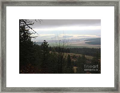 Overlooking Washington Farmland Framed Print by Linda Meyer