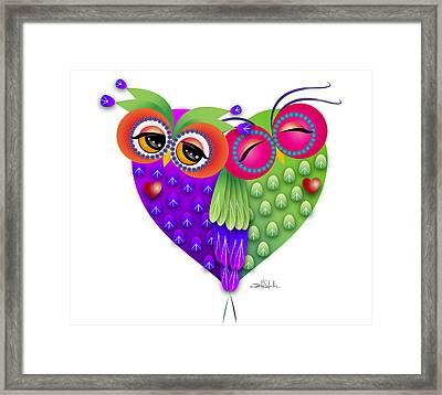 Owl's Love Framed Print by Isabel Salvador