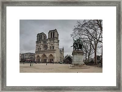 Paris France - Notre Dame De Paris - 011314 Framed Print by DC Photographer