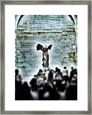 Pause - The Winged Victory In Louvre Paris Framed Print by Marianna Mills