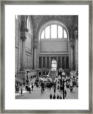 Pennsylvania Station Interior Framed Print by Underwood Archives