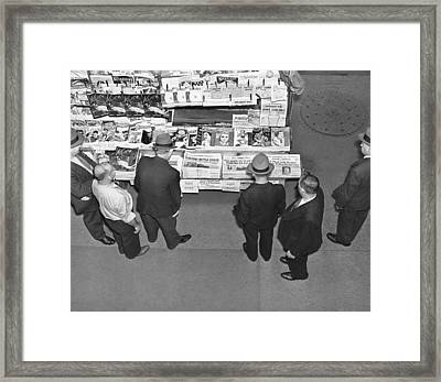 People Reading Headlines Framed Print by Underwood Archives