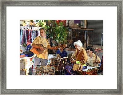 Performers - Night Street Market - Chiang Mai Thailand - 01134 Framed Print by DC Photographer