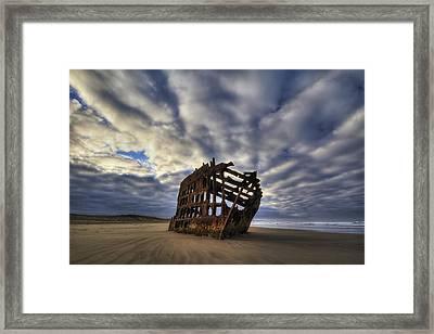 Peter Iredale Shipwreck Sunrise Framed Print by Mark Kiver