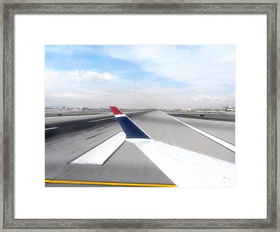 Phoenix Az Airport Wing Tip View Framed Print by Thomas Woolworth