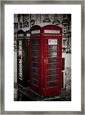 Phone Home Framed Print by Erik Brede