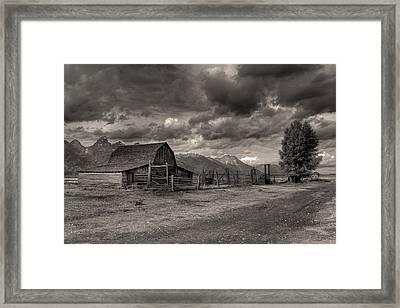 Pioneer Barn D9369 Framed Print by Wes and Dotty Weber