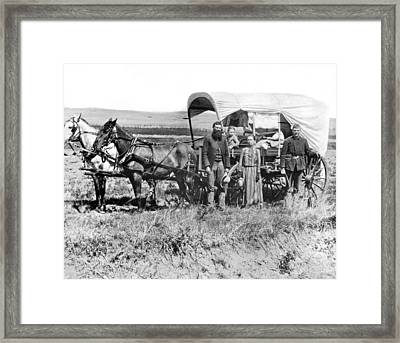 Pioneer Family And Wagon Framed Print by Underwood Archives