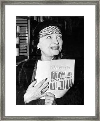 Pola Negri Becomes Us Citizen Framed Print by Underwood Archives