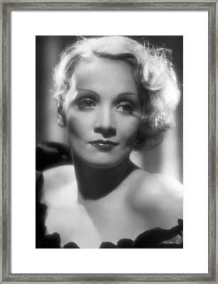 Portrait Marlene Dietrich Framed Print by Underwood Archives