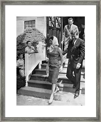 President Kennedy And Jackie Framed Print by Underwood Archives
