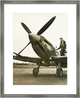 Raf Pilot With Spitfire Plane Framed Print by Underwood Archives