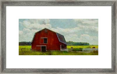Red Barn In Ohio Framed Print by Dan Sproul