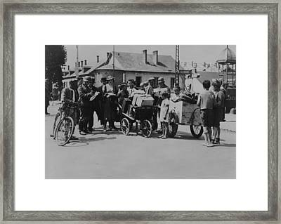 Refugees Returning To Their Homes Framed Print by Everett