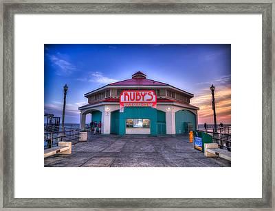 Ruby's Diner On The Pier Framed Print by Spencer McDonald