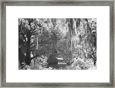 Savannah Bonaventure Cemetery Black And White Angel Monument With Hanging Spanish Moss Framed Print by Kathy Fornal