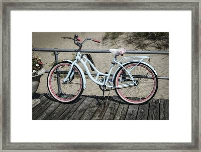 Schwinn Beach Cruiser Framed Print by Susan Candelario