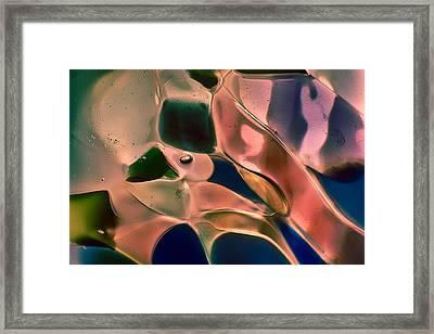 Scream Framed Print by Omaste Witkowski