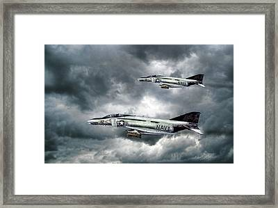 Screaming Eagles Framed Print by Peter Chilelli