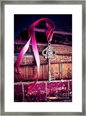 Secret Love Framed Print by Jan Bickerton