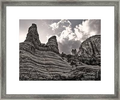 Sedona Arizona Mountains - 01 Framed Print by Gregory Dyer