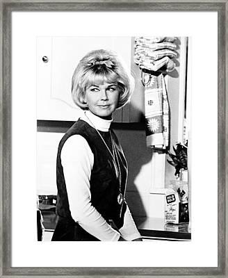 Send Me No Flowers, Doris Day, 1964 Framed Print by Everett