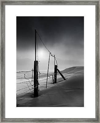 Setting Sun Over Drifting Snow North Dakota Winter Framed Print by Donald  Erickson