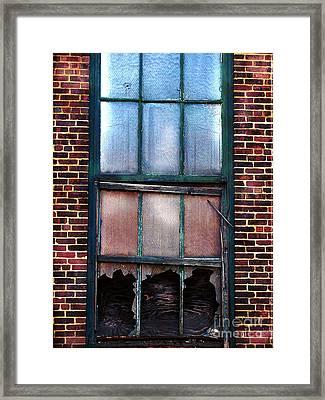 Shot Out  Framed Print by Colleen Kammerer