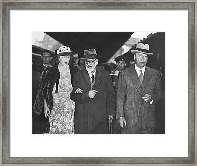 Sigmund Freud Exiled Framed Print by Underwood Archives