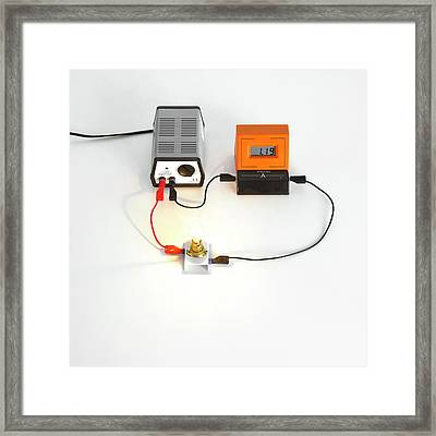 Simple Light Bulb Circuit Framed Print by Science Photo Library