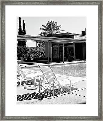 Sinatra Pool Bw Palm Springs Framed Print by William Dey