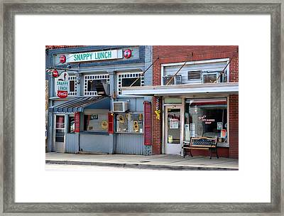 Snappy Lunch And Floyd Nc Framed Print by Bob Pardue
