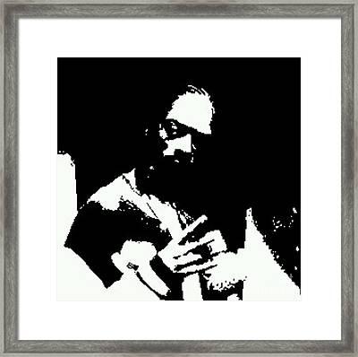 Snoop Dog II Framed Print by James Eye