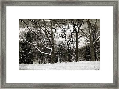 Snowman Framed Print by Madeline Ellis