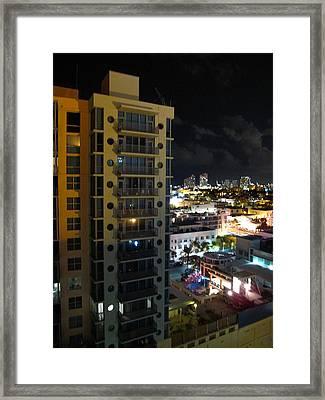 South Beach - 12122 Framed Print by DC Photographer