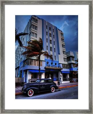 South Beach - Park Central Hotel 001 Framed Print by Lance Vaughn