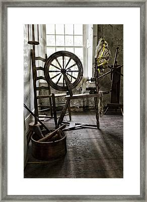 Spinning Wheel Framed Print by Peter Chilelli