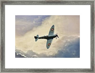 Spitfire Lf Mk Framed Print by Peter Chilelli