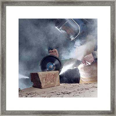 Stone Masonry Dust Exposure Framed Print by Crown Copyright/health & Safety Laboratory Science Photo Library