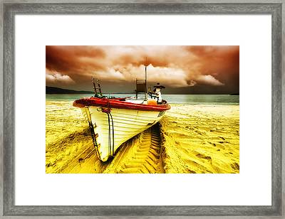 Storm On The Way 01 Framed Print by Kevin Chippindall