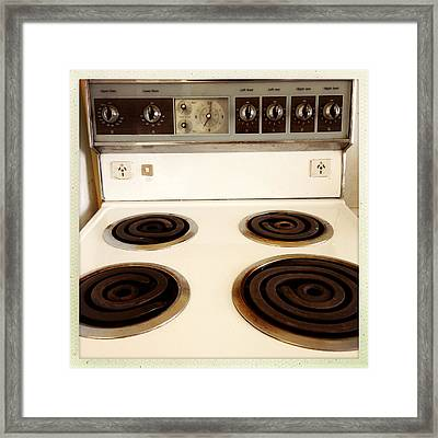 Stove Top Framed Print by Les Cunliffe