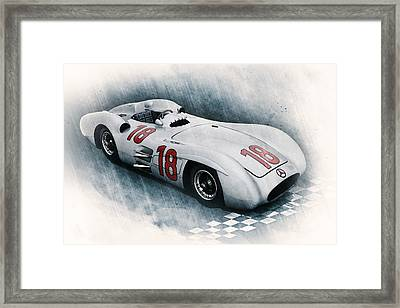 Streamliner Framed Print by Peter Chilelli