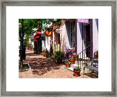 Alexandria Va - Street With Art Gallery And Tobacconist Framed Print by Susan Savad