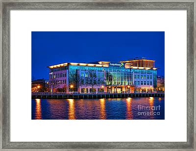 Susquehanna Bank Building In Camden Framed Print by Olivier Le Queinec