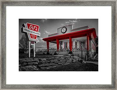 Taste Of The Fifties Framed Print by Susan Candelario