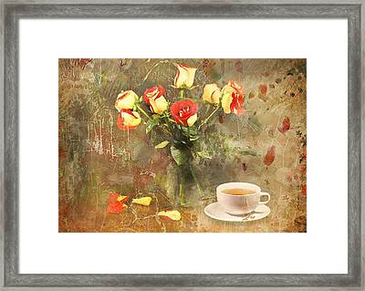 Tea Roses Framed Print by Diana Angstadt