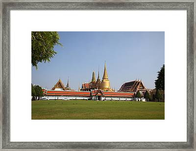 Temple Of The Emerald Buddha - Grand Palace In Bangkok Thailand - 01131 Framed Print by DC Photographer