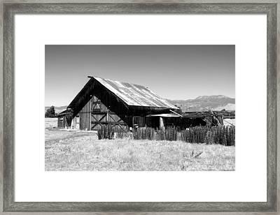The Barn Framed Print by Glenn McCarthy Art and Photography